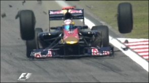 Toro Rosso Accident - Chinese F1 GP